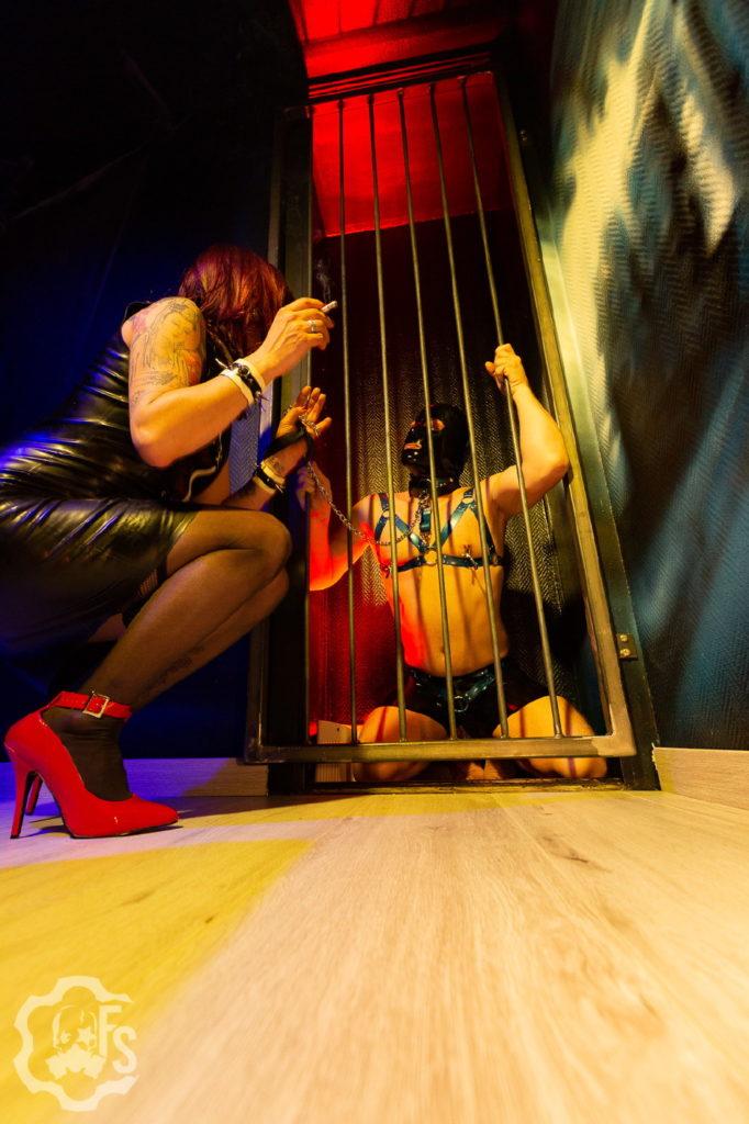 Domestication,Cage de chasteté, privations -  Diane Killer